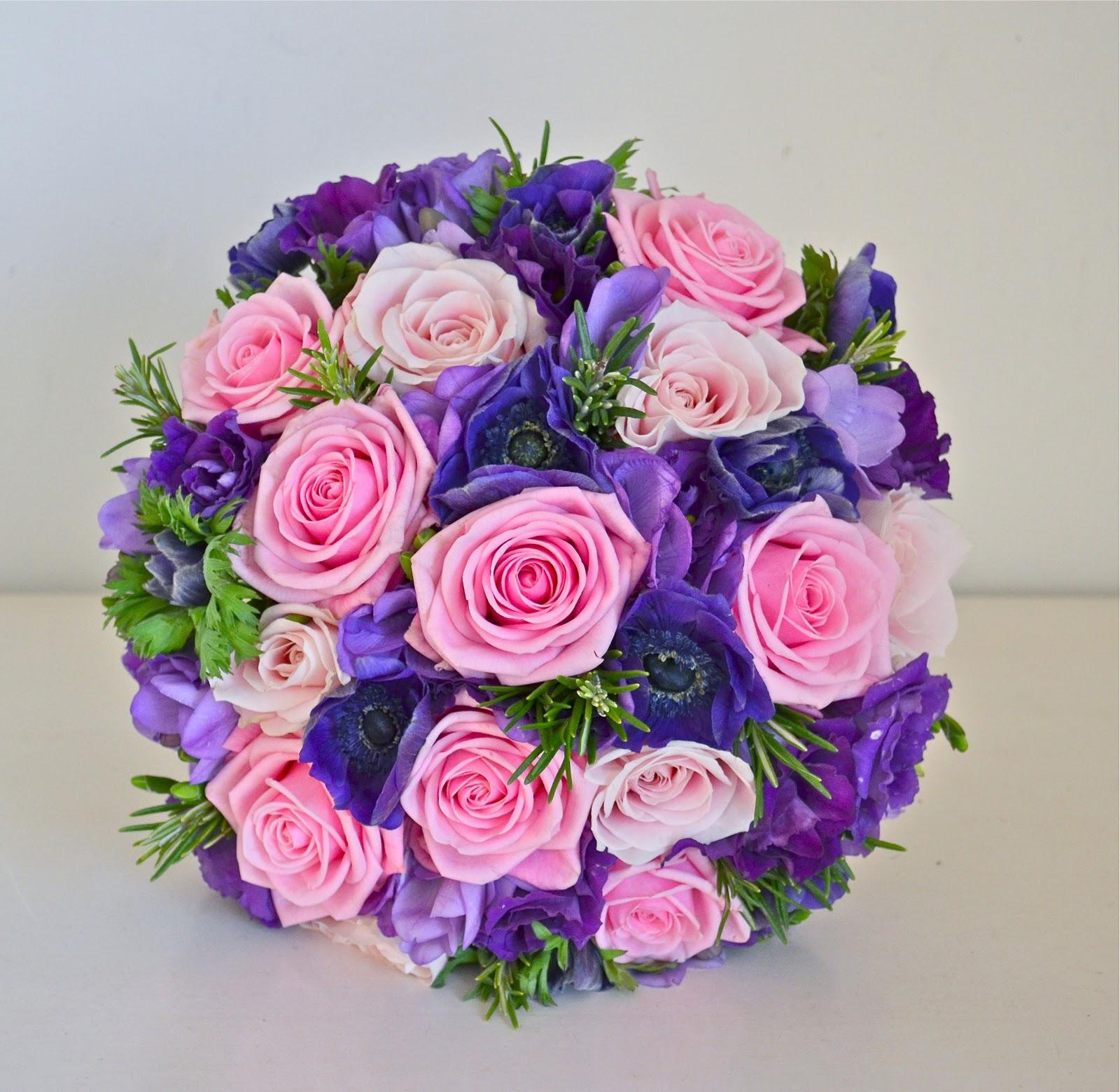 Свадебные букеты с розами и другими цветами