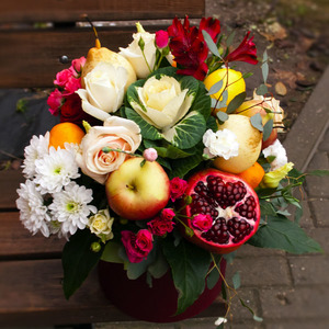 Цветы и фрукты в коробке #3