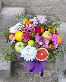 Цветы и фрукты в коробке #8