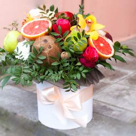 Цветы и фрукты в коробке #7